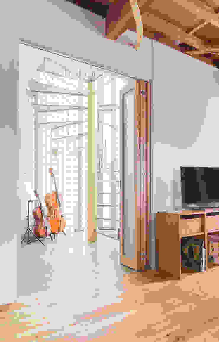 吉祥寺のS邸 ラスティックスタイルの 玄関&廊下&階段 の VOLO ラスティック