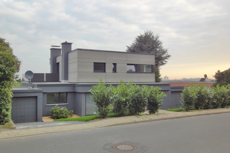 Modern home by Tim Diekhans Architektur Modern