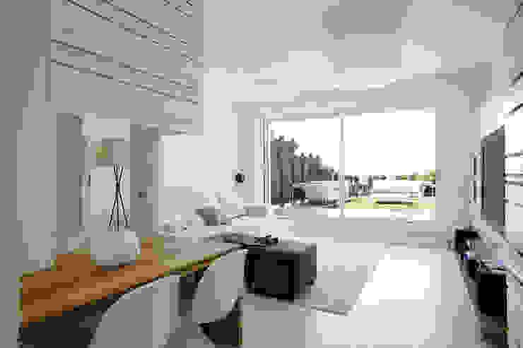 Studio Fabio Fantolino Livings modernos: Ideas, imágenes y decoración