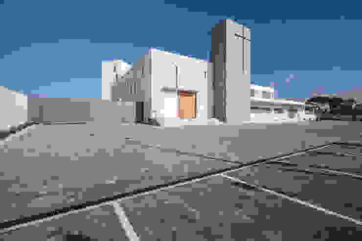 Fachada principal Casas de estilo minimalista de Hernández Arquitectos Minimalista