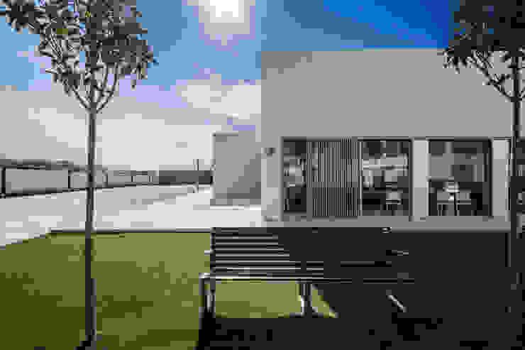 บ้านและที่อยู่อาศัย โดย Hernández Arquitectos, โมเดิร์น