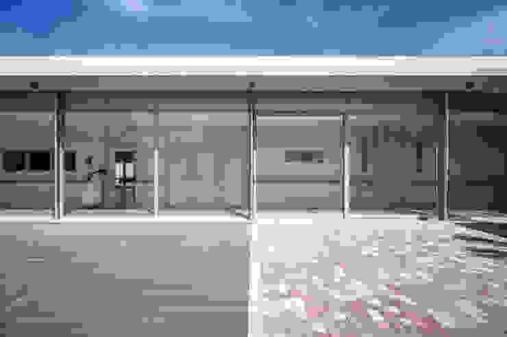Claustro Casas de estilo moderno de Hernández Arquitectos Moderno