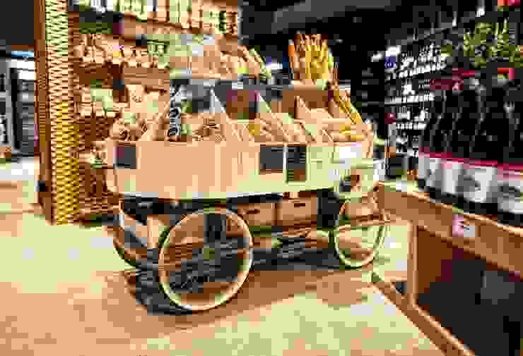 Carrito de pan en hierro soldado y madera de Paletto's Furnature Rústico