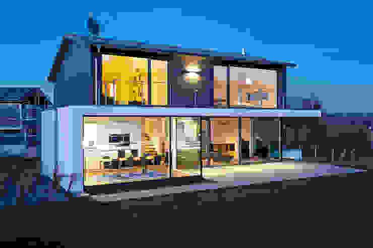 Casas de estilo  por m67 architekten, Moderno