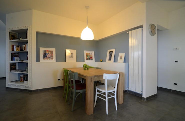 Modern dining room by Gruppo Cactus Modern