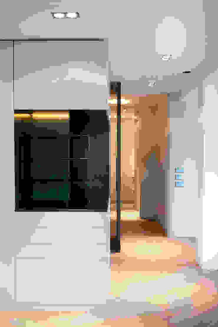 QUEENS Minimalistische woonkamers van Binnenvorm Minimalistisch