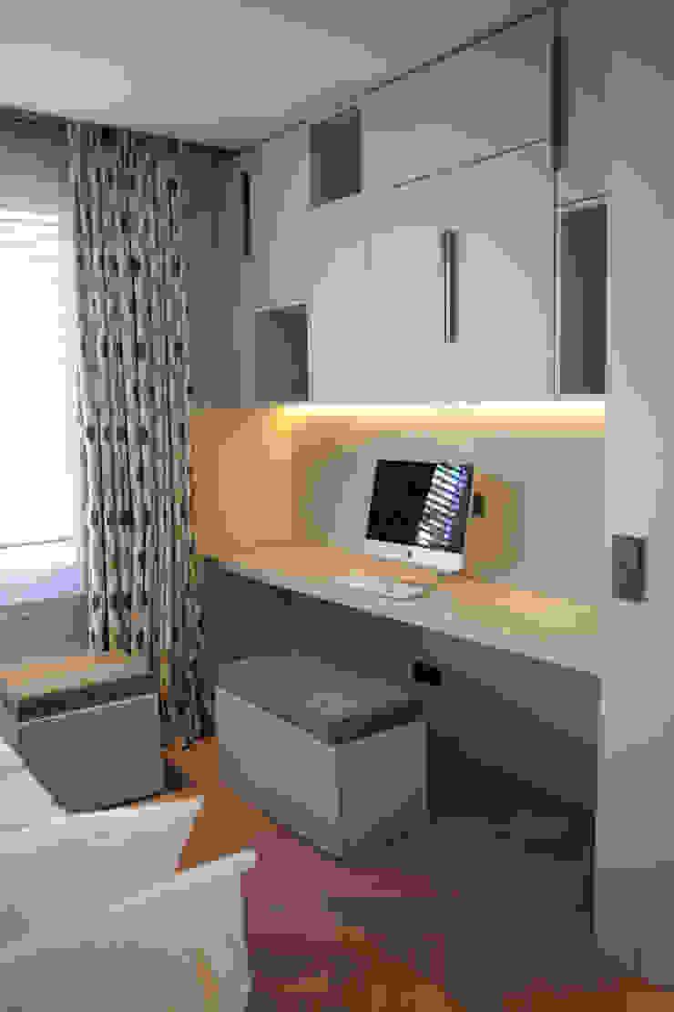 Binnenvorm Modern Study Room and Home Office