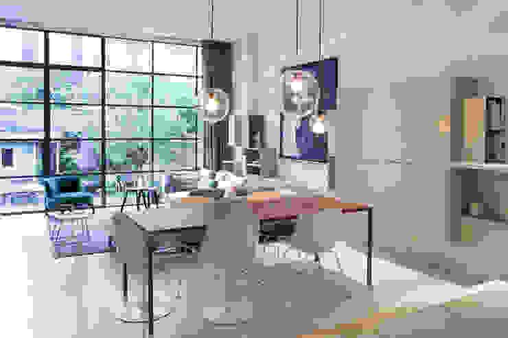 Salas de jantar modernas por Binnenvorm Moderno