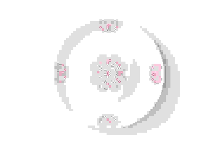 Porcelanowy talerz z kolekcji Makatka Róż marki Zulana(śr.21cm) od Zulana Klasyczny