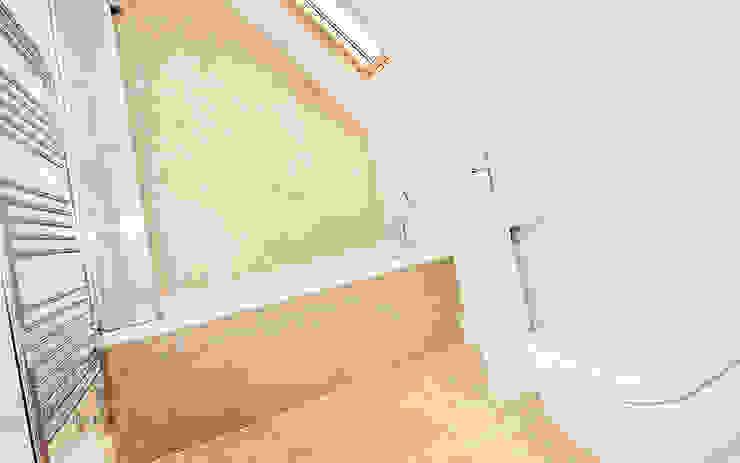 Bathroom interiors Modern bathroom by Graham D Holland Modern