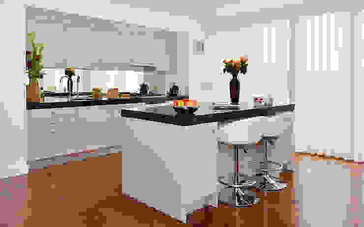 Kitchen interiors Modern kitchen by Graham D Holland Modern