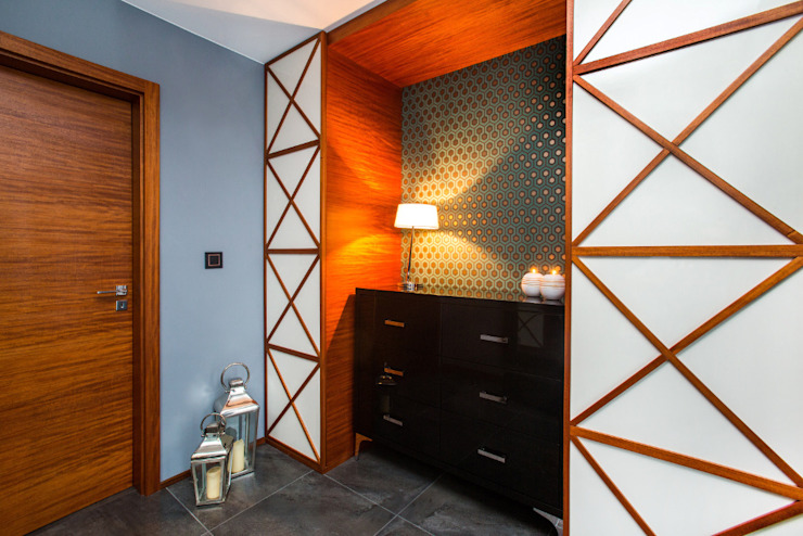 Eclectic style corridor, hallway & stairs by Viva Design - projektowanie wnętrz Eclectic