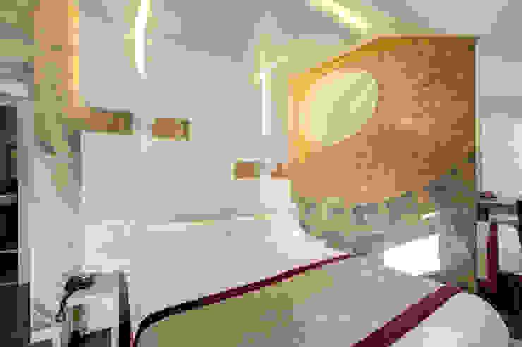 Camera letto Camera da letto moderna di Arch. Lamberto Grutter Moderno