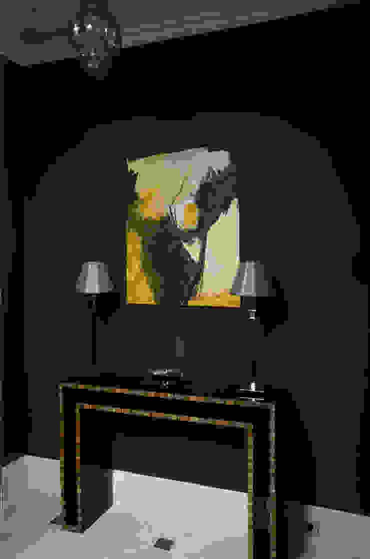 Дом Стены и пол в классическом стиле от проекты\ projects Классический