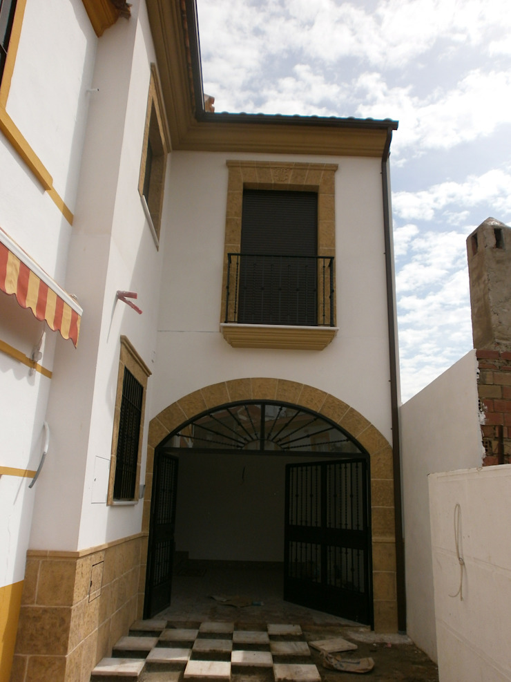 FACHADA PRINCIPAL Casas de estilo rústico de ANA SÁNCHEZ ARQUITECTURA Rústico