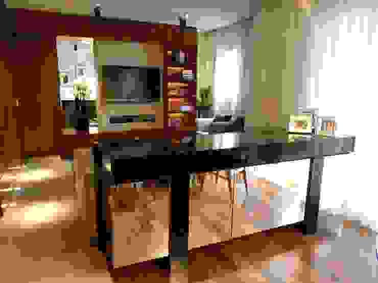 Sala Salas de estar modernas por Compondo Arquitetura Moderno