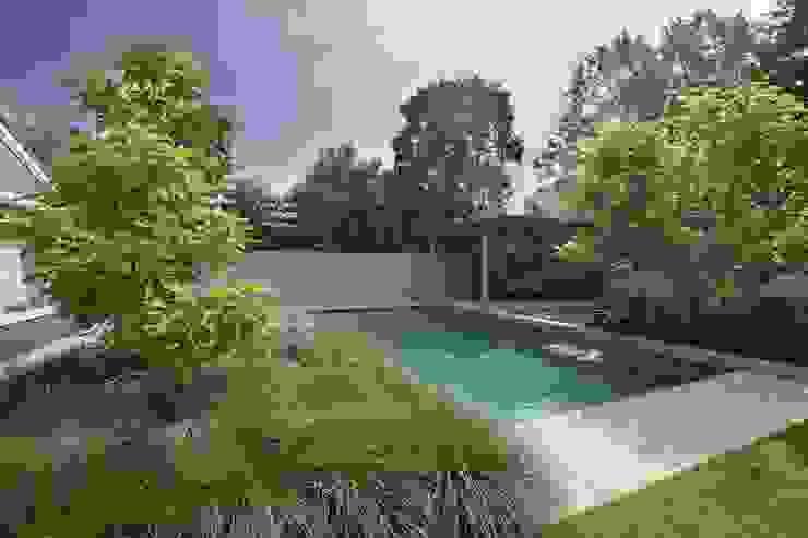 Leeftuin voor het hele gezin Moderne tuinen van Stoop Tuinen Modern