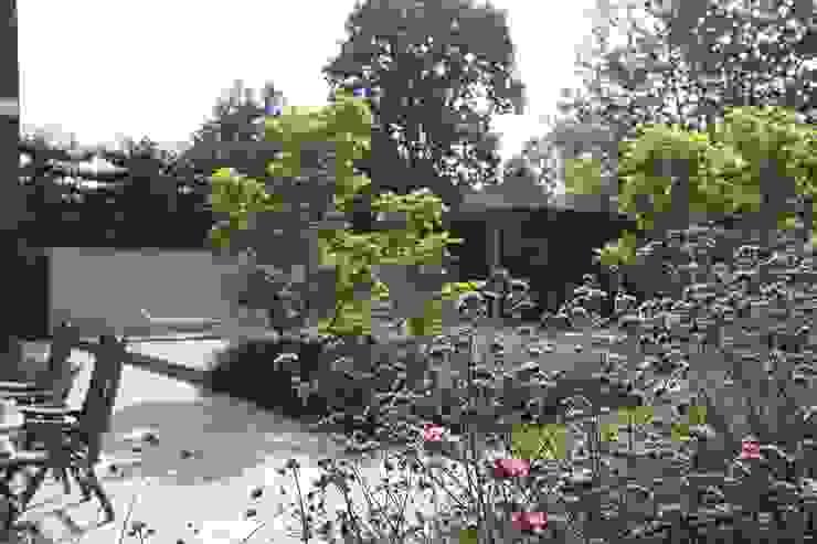 Projekty,  Ogród zaprojektowane przez Stoop Tuinen, Nowoczesny