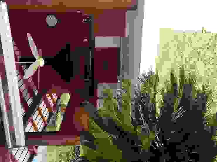Residência Cond. Porto e Veleiros Ibiúna/SP Varandas, alpendres e terraços rústicos por Renata Romeiro Interiores Rústico