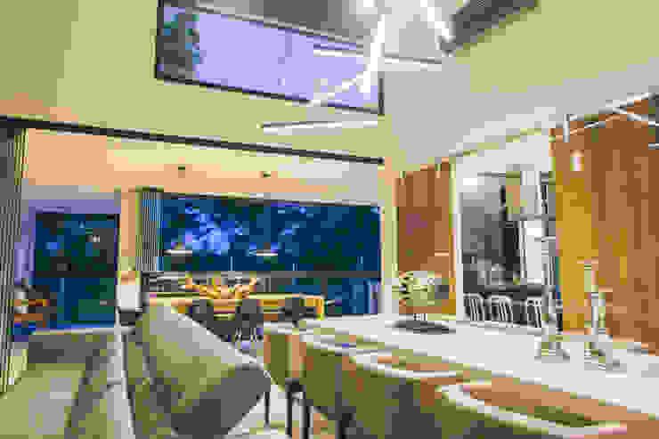 Ambientes integrados Salas de jantar modernas por Neoarch Moderno