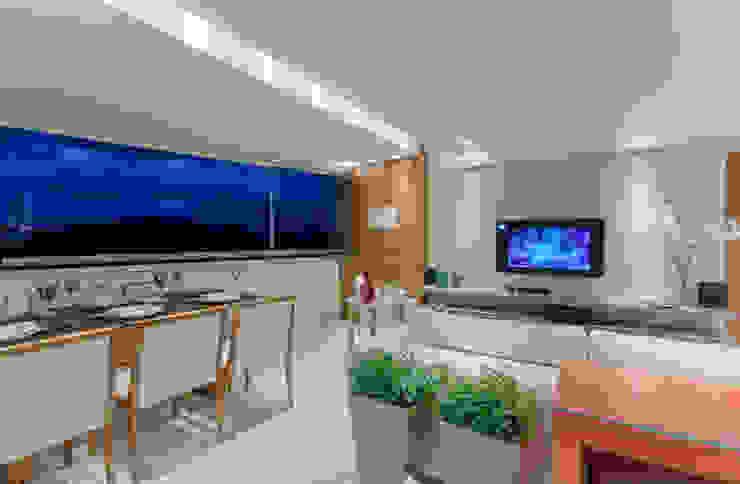 Apartamento Vila da Serra Salas de estar minimalistas por Carmen Calixto Arquitetura Minimalista