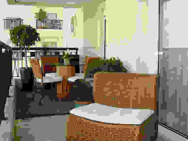 Varanda Alto de Pinheiros/SP Varandas, alpendres e terraços rústicos por Renata Romeiro Interiores Rústico