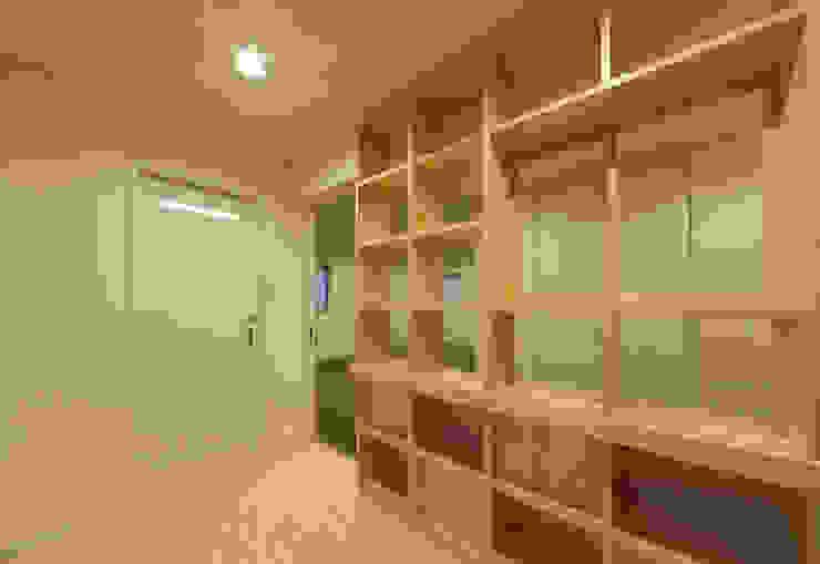 萱方の住宅: 山口修建築設計事務所が手掛けた現代のです。,モダン