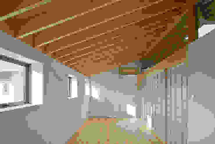 萱方の住宅 の 山口修建築設計事務所 モダン