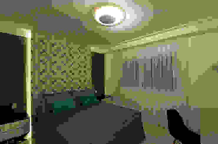 Casa de praia no litoral paulista prima pelo conforto e elegância Quartos modernos por Guido Iluminação e Design Moderno
