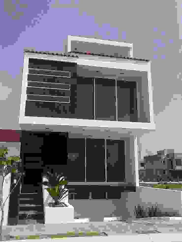 Casa Mag Casas minimalistas de CONSTRUCTORA ARQOCE Minimalista