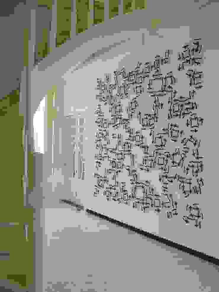 Sporen van Schrift, 2014, 270 x 270 cm, paardenhaar, textiel, gestikt. van Marian Bijlenga Minimalistisch