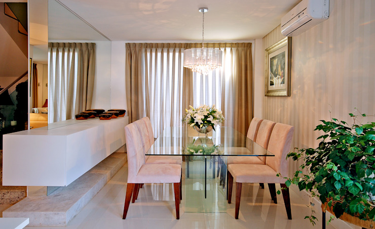 Casa CR Salas de estar clássicas por Neoarch Clássico