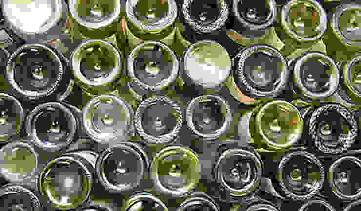 торцы бутылок, забетонированных в барной стойке (референс) от Александр Михайлик
