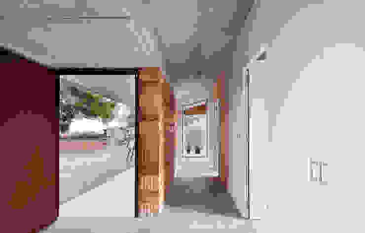 Barbacoa house Pasillos, vestíbulos y escaleras de estilo industrial de Pepe Gascón arquitectura Industrial