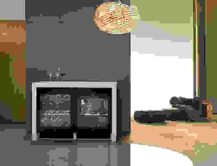Weinschrank von Miele: für Wohnzimmer-Sommeliers von Küchenwerkstatt Josef Kriener Mediterran