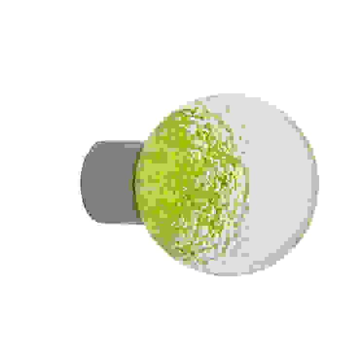 Bouton de meuble Microbulles vert anis sphérique par Les Verreries de Bréhat Moderne Verre