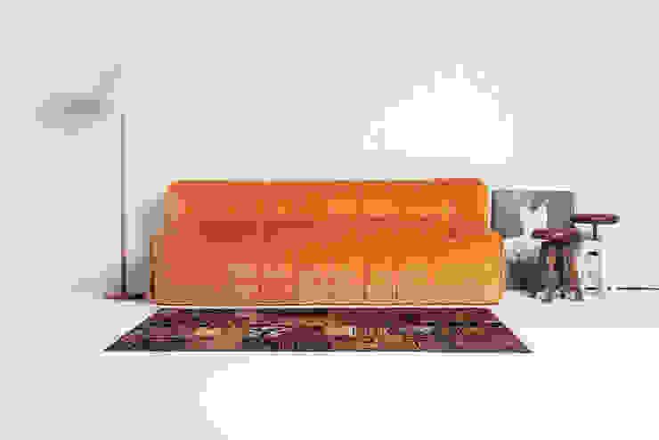 Sofá modelo KUVO de la marca Oruga de Grupo Temas V Moderno
