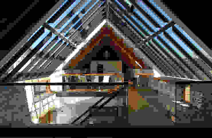 Maer Barn, Bude, Cornwall Modern Corridor, Hallway and Staircase by The Bazeley Partnership Modern