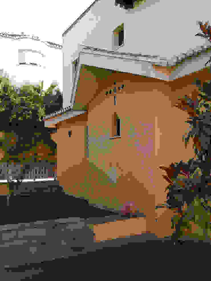casa SOTO / CAMACHO Casas de estilo colonial de Alejandro Ramos Alvelo / arquitecto Colonial