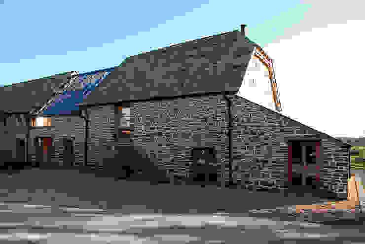 Maer Barn, Bude, Cornwall Modern houses by The Bazeley Partnership Modern