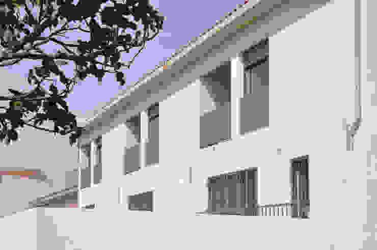 3 VPO Benquerencia Casas de estilo moderno de MarbleGrana Moderno
