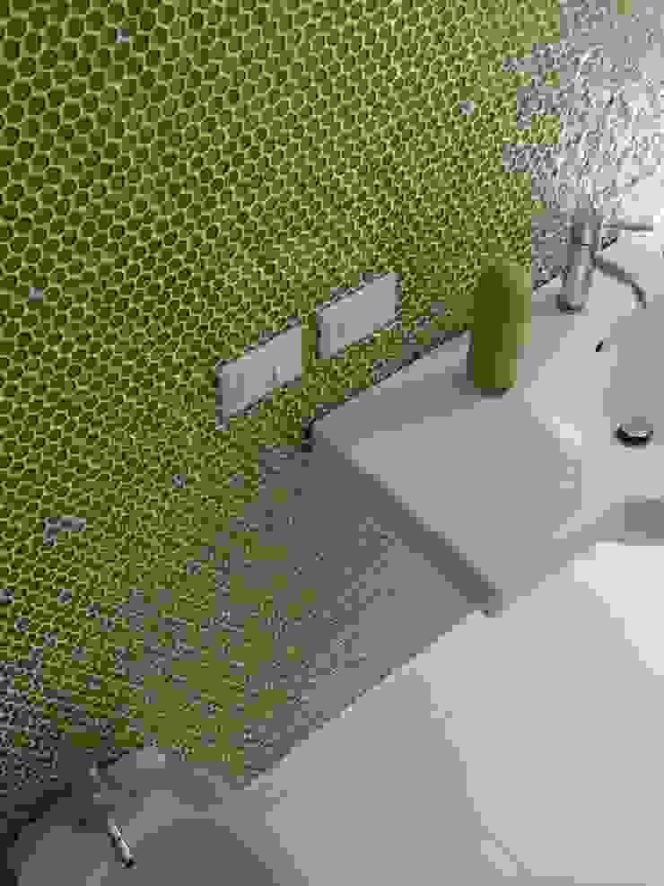 Bio Domus D.01, una casa di pregio, bioclimatica ed eco-sostenibile progettata per il comfort, l'eleganza e il benessere. Aroma Italiano Eco Design Bagno moderno Vetro Verde