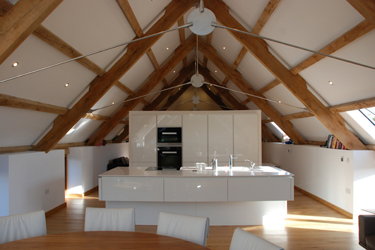 Maer Barn, Bude, Cornwall Moderne keukens van The Bazeley Partnership Modern