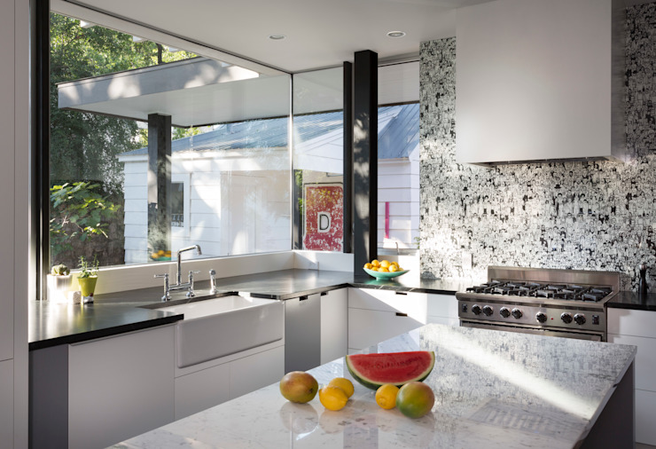 Kitchen by Hugh Jefferson Randolph Architects, Modern