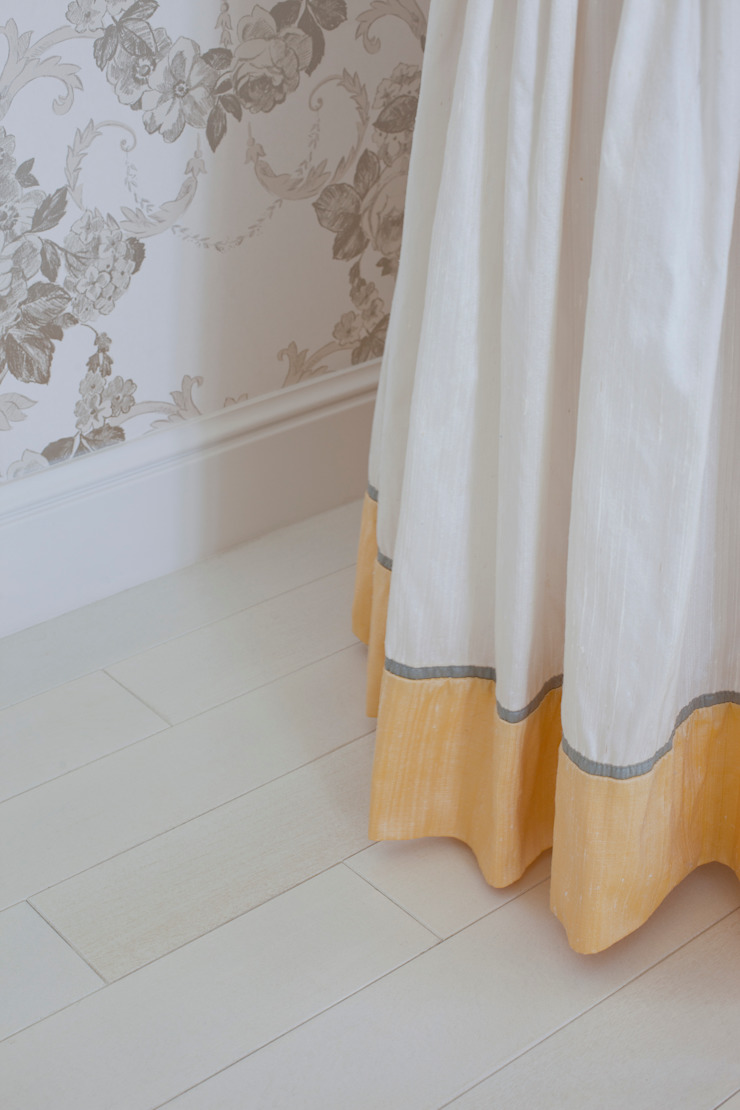 Деталь спальни. Оксана Панфилова Спальная комната Аксессуары и декор