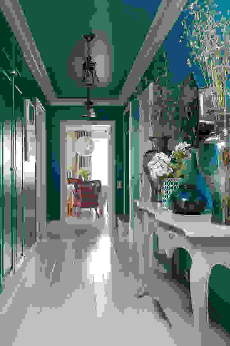 Галерея 1 этаж. Коридор, прихожая и лестница в классическом стиле от Оксана Панфилова Классический