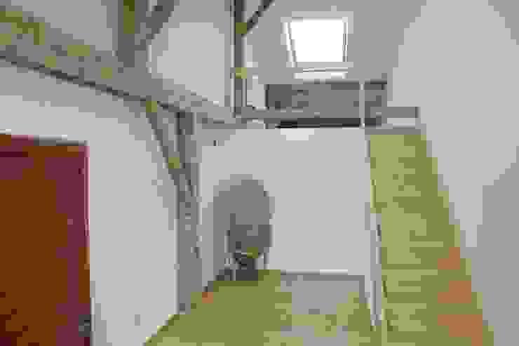 Ullerting 8 - Wohnhaus R+B Moderne Schlafzimmer von Nico Wallner Architekt Modern