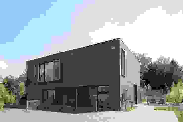 Casas modernas de hasa architecten bvba Moderno