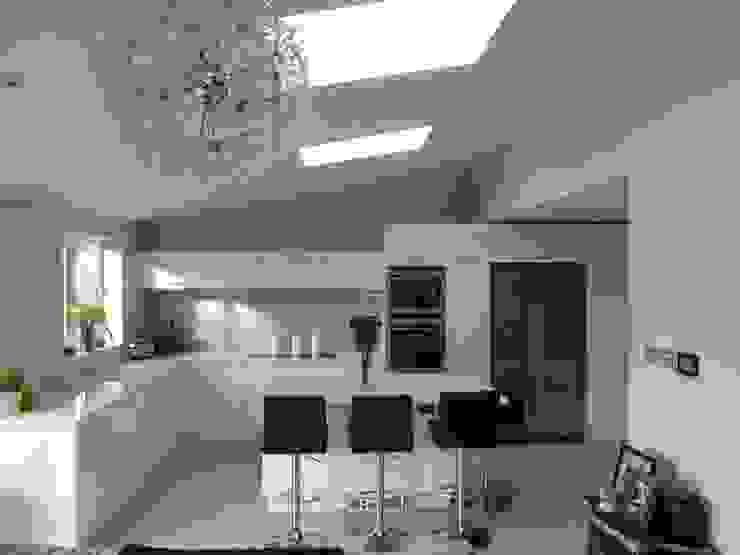 High gloss white with Silestone Blanco Norte worktops Modern kitchen by Zara Kitchen Design Modern