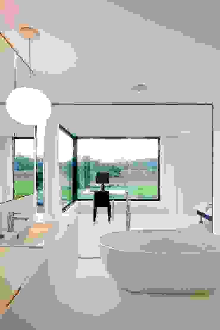 hasa architecten bvba 現代浴室設計點子、靈感&圖片